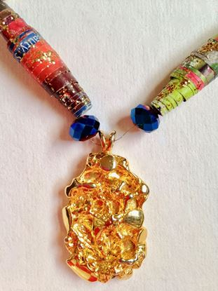 Picture of Necklace with gold tone pendant