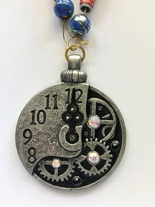 Picture of Necklace with clock pendant